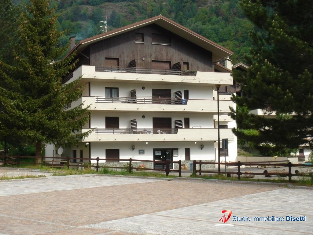 Ufficio / Studio in vendita a Aprica, 2 locali, Trattative riservate | CambioCasa.it
