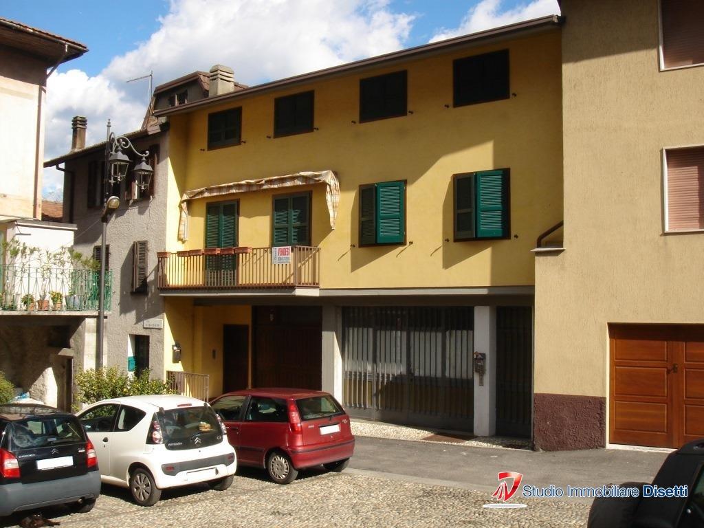 Soluzione Semindipendente in vendita a Losine, 7 locali, prezzo € 196.000 | CambioCasa.it