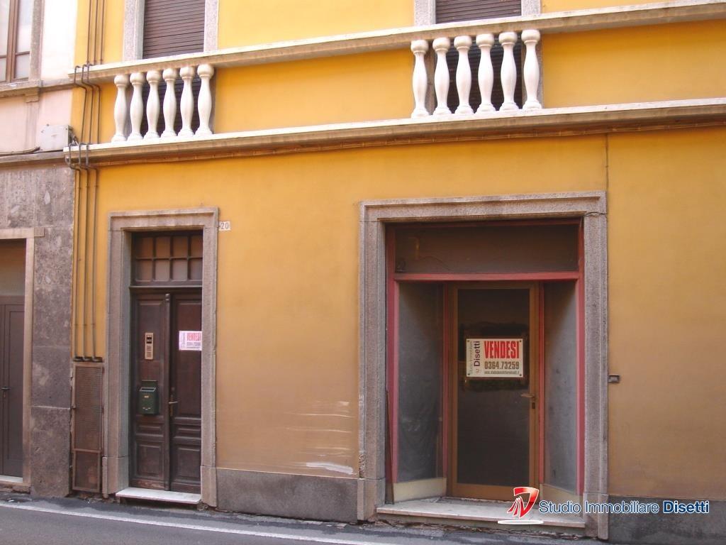 Soluzione Semindipendente in vendita a Cedegolo, 14 locali, prezzo € 180.000 | Cambio Casa.it
